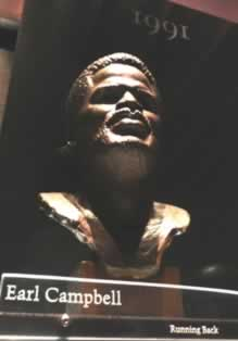 Photograph of the bust of Earl Campbell in the Pro Football Hall of Fame gallery, Canton, Ohio (photograph by the author)